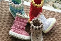 baby booties / baby shoes