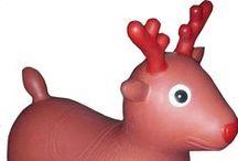 Vier kerst met je baby! / Dit jaar ziet je kleintje er piekfijn uit voor Kerstmis. Dreambaby zocht voor jou de schattigste kerstcollectie uit. Een snoezig zachte body? Een gezellig warme pyjama? Een slabbetje of een mutsje in feestelijke kleurtjes? Een volledige feestlook of een fashion touch? Je hoeft het maar uit te kiezen. Veel feestplezier!