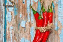 PIMENTA! todo dia................... / Pimenta não é para todos - há de se ver a  cor, textura e cheiro...há de se encantar, encarar, enfrentar, desafiar... Eu amo pimenta!!!!!!!!!!!!No meu temperamento tem um pouco de pimenta - não todo mundo que gosta nem todo mundo que aguenta!!... / by Elizethe Gama Kahn