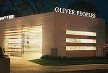 Oliver Peoples / Crée en 1987 par Oliver Peoples, la marque d'inspiration californienne réalise des lunettes au design vintage et aux matériaux nobles.