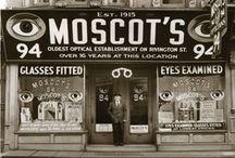 Moscot Eyewear / New yorkaise de naissance, la marque Moscot s'inspire depuis plus de 100 ans de l'univers de Manhattan, Wall Street et tout ce qui fait de New York une ville à part.   Une sélection de modèles est à retrouver chez Les Opticiens Perceval www.lesopticiensperceval.com