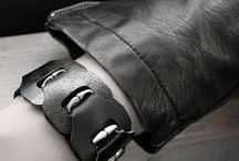 Schakelarmbanden DAMES / Onze leren schakelarmbanden zijn verkrijgbaar in een smal en breed model, met of zonder RVS.