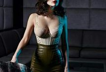 Sian Hoffman, Luxury Corsetry / Sian Hoffman designs sensual body shaping corsets and accessories, handcrafted with all attention to detail and with the highest level of craftsmanship. Her work is an elegant mix of fashion and eroticism, timeless in design and attractive in appearance and she has reached the top 5 of best corsetress in the world. For Xenses two exclusive collections are made.