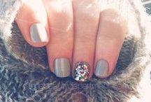 nails / by Hannah Skvarla