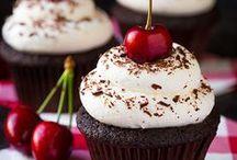Cupcake Love / by Rachel Benoit
