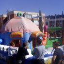 Fiesta infantil con hinchables / Organiza la mejor fiesta de niños con nuestros hinchables