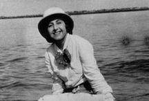 """Anita Conti / """"Aprendí a nadar antes que a caminar"""", dijo esta exploradora y fotógrafa cuya pasión por el mar la convirtió en la primera mujer oceanógrafa de Francia."""
