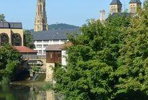 Les Îles / Les bras de la Moselle, ses ponts et l'architecture classique  donnent beaucoup de charme et d'élégance à ce quartier.