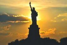 New York / New York je nejlidnatější město Spojených států a jeho metropolitní oblast patří mezi nejlidnatější na světě. Město bylo založeno Nizozemci v roce 1625 a od roku 1790 je největším městem Spojených států.