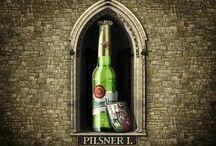 PilsnerUrquell / Poprvé na celém světě byl tento druh piva uvařen 5. 10. 1842 v plzeňském pivovaru sládkem Josefem Grollem. Při první várce 5. října 1842 se sládkovi Josefu Grollovi povedlo vytvořit pivo vskutku unikátní barvy a chuti. Podařilo se omylem, neboť byl přizván na vaření piva bavorského typu. Místní měkká voda, kvalitní žatecký chmel a nová anglická metoda zpracování sladu však způsobily, že várka po svém naražení 11. listopadu překvapila nebývalou kvalitou.