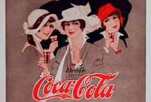 Coca-Cola / Coca-Colu vynalezl roku 1886 lékárník doktor John Stith Pemberton v Atlantě v USA. Poprvé byl nápoj prodáván za 5 centů v lékárně v Atlantě Willisem Venablem 8. května 1886. Zpočátku se prodávalo 9 nápojů denně. Za první rok se tak prodalo Coca-Coly za 50 dolarů, což se ani nevyrovnalo nákladům (zejména na reklamu), které činily 70 dolarů. První rok byl tedy ztrátový.