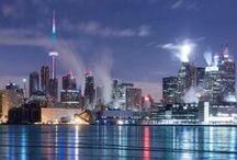 Torono / Toronto je s 3 milióny obyvatel nejlidnatější město Kanady a zároveň hlavní město provincie Ontario. Je situováno v jižním Ontariu, na severozápadním břehu jezera Ontario. Vlastní město tvoří od roku 1998 šest městských částí.