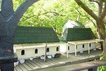 Domki dla kotów wolnożyjących / Outdoor houses for feral cats.