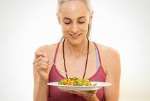 Mindful Eating Tips / Tips and tricks to eat mindfully...and get healthier in the process!