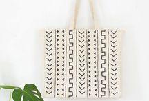 • TOTE BAGS • / • Parce que l'on aime les sacs •