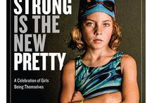 """Wild & Strong Women - portaits au féminin, femmes fortes et épanouies / Inspiration : """"Strong is the new pretty"""", by the photographer Kate T. Parker. Portraits de femmes du monde, connues et anonymes, desquelles émanent une force qui fait changer le monde ! Qu'elles aient été la première femme dans l'espace, Prix Nobel de la paix, porte parole des droits des femmes et mouvements féministes, ou un visage courageux dans la foule... Car nous portons tous en nous cette force pour nous épanouir et incarner le changement que nous souhaitons voir dans le monde !"""