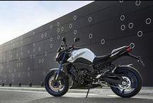 Salt atılgan; FZ8 / Güçlü motor, sofistike Deltabox şasisi ve yüksek özelliklere sahip fren sistemi... FZ8; çok yönlülüğüyle mükemmel performans.