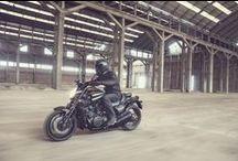 Sport Heritage / Kişiliğinizi yansıtan benzersiz bir motosiklet yaratmayı planlıyorsanız Yamaha Sport Heritage serisini keşfedin, kişisel bir motosiklet kullanmanın hazzını yaşayın.