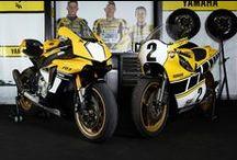 R1 ile biriz / YZR-M1 MotoGP teknolojisi kullanılarak kaliteden ödün vermeden geliştirilen özel seri R1 Yamaha'nın şanlı yarış mirasına saygıyı temsil ediyor.