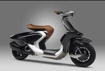 """04GEN ile tanışın! / Vietnam'ın ilk #Motosiklet Fuarı'nda #Yamaha , iç ve dış görünümü sentezleyerek görülmeye değer, şık ve zarif bir #scooter ortaya çıkaran """"tasarım konsepti"""" ile #04GEN modelini tanıttı. #yamahatürkiye #yamaha #yamahamotortürkiye #konsept"""