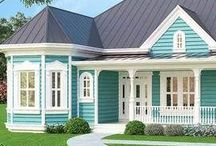 Aqua Cottage / Dreaming in Shades of Turquoise