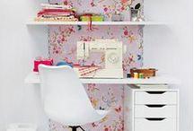 Craft room / by Márcia LuzArtes Artesanatos