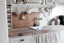 Country Home Decor / country home inspiration, farmhouse decor, country interiors, farmhouse interior style