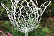 Chicken wire figures / Hier vind je werkjes die ik in de loop der jaren gemaakt hebt. Je mag ze namaken maar niet voor commerciële  doeleinden. Veel plezier!