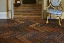 Project Revigo - Z-parket - Floor: Revigo / The wonderful reclaimed hardwood floor Revigo integrated in this splendid classic interior design. Floor: Z-parket Revigo. #zparket #interiordesign #vintageflooring #barnwood #reclaimedflooring