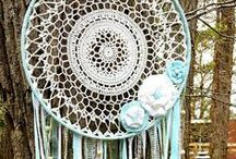 DREAMCATCHERS / Inspiration to make your own crocheted dreamcatchers!