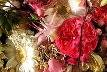 | Beautiful flower color palets | / Keep the colors of your flower arrangements nice and balanced.