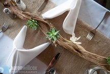 Wedding Table Settings and Place Setting Ideas / Table setting ideas for weddings.  Colors, table decorations, menus and center pieces.