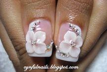 Nail 3D flowers ect / by Bonita Amador
