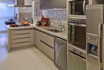 Cozinhas e Áreas de Serviço / Cozinhas Pequenas Integradas e Áreas de Serviço
