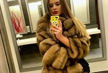 Selfie Fourrure / Selfie de belles femmes avec leur manteau de fourrures