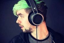 JackSepticeye / The Boss, jacksedicey is one of thee best youtubers around with 17,000,000 million subs and an amazing community!!