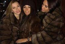Amies en Fourrures / Amies en manteau de fourrure de tous types