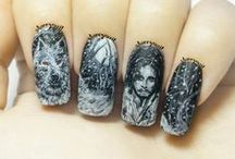 Black & White Freehand Nail Art