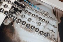 Pulseras de Plata / Pulseras de plata, pulseras de minerales, pulseras rígidas, pulseras del bolas, pulseras de malla, pulseras de caucho, pulseras de media caña... Estos modelos y muchos más en http://www.elrincondemisalhajas.com/2-pulseras-de-plata