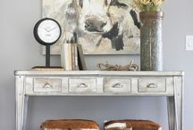 Entryway Ideas / Inspiring ideas to help you decorate and design your foyer or entry