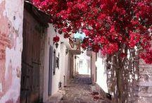 Greek Villages / Picturesque Greek villages that simply enchant!