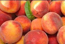 Heleät persikan sävyt / Lempeä persikka on kevään suosikkivärejä.