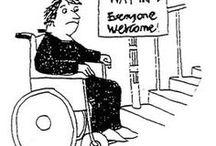 Met een rolstoel / Accessibility / Op dit bord staat alles door elkaar: Uitjes, varen, zwemmen, campings met een toegankelijk zwembad, enz. als je gebruik moet maken van een rolstoel. Er zijn ook borden voor toegankelijke restaurants, stranden, steden, zwembaden en hotels.