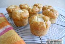 Mes petits cakes et muffins ! / De superbes recettes pour petits et grands gourmands ! Le bonheur et la douceur de Kiri dans des recettes toutes simples mais si mmmmh... À déguster sans modération à l'apéro ou au cours d'un repas, entre amis ou en famille !