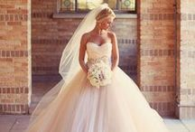 Wedding Dresses / Elegant wedding dress inspiration and tips for the bride to be.