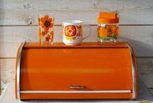 Le Vintage à la Maison / Vaisselle, objet, ustensile, déco seventies, Henkel, Mobil, Lotus, Arcopal,... Le Vintage ! ... www.mulubrok.fr : Boutique Vintage