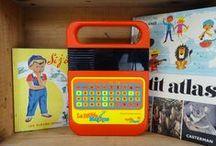 Dans la salle de Jeux / Jeux de société, cubes, puzzles, jeux d'autrefois ... www.mulubrok.fr : boutique en ligne