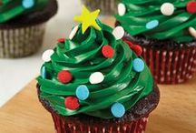 Sweet Holidays / It's all about the frosting, baby! Whether you're preparing a fondant covered cake or decorating festive sugar cookies, there are a million ways to incorporate frosting into your homemade holiday treats.