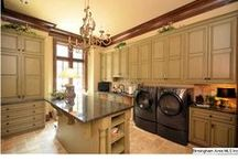 Laundry Room / by Simone Lay