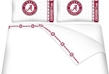 Alabama Crimson Tide Bedding / Alabama Crimson Tide Bedding is an excellent way to decorate yours or your kids' bedroom with comforters, sheets sets, blankets & pillows. Alabama Crimson Tide bed sets, like a bed in a bag or a complete bedroom package, combine many awesome Tide bedding products together at a reasonable price. Availability in twin, full & queen sizes.  A perfect  way to make Alabama Crimson Tide fans green with envy.